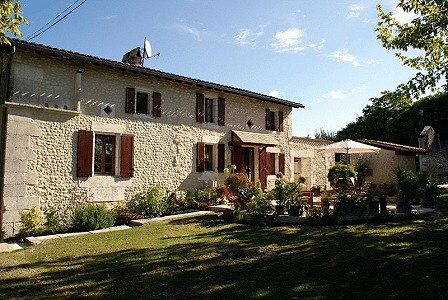 Image 1 | 6 bedroom house for sale with 0.42 hectares of land, Verteillac, Dordogne , Dordogne Perigord Vert 177750