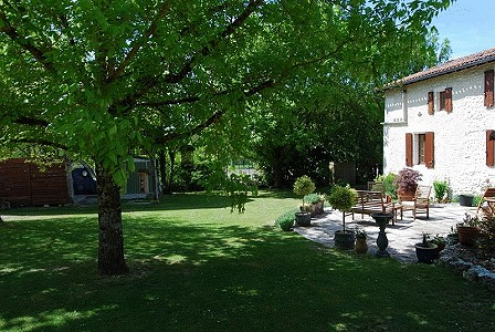 Image 3 | 6 bedroom house for sale with 0.42 hectares of land, Verteillac, Dordogne , Dordogne Perigord Vert 177750