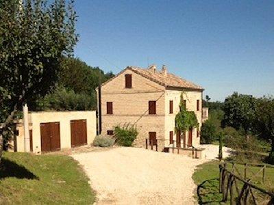 3 bedroom farmhouse for sale, Matenano, Fermo, Marche