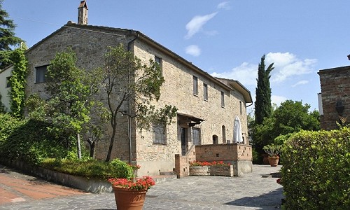 Wonderful holiday business for sale in Tuscany close to Florence