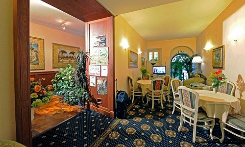 18 bedroom hotel for sale, Pisa, Tuscany