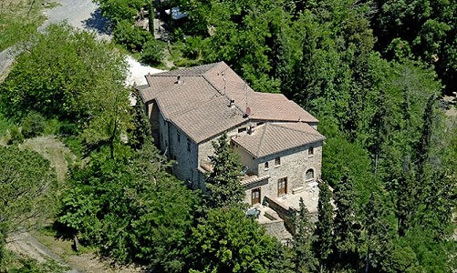 Successful holiday business in Tuscany for sale with 14 bedrooms