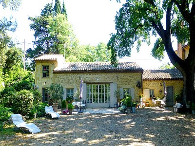 Image 1 | 2 bedroom farmhouse for sale with 600m2 of land, Uzes, Gard , Languedoc-Roussillon 178276