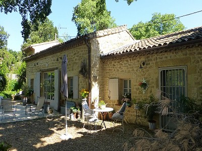 Image 2 | 2 bedroom farmhouse for sale with 600m2 of land, Uzes, Gard , Languedoc-Roussillon 178276