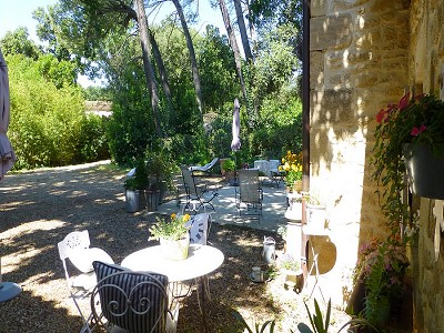 Image 3 | 2 bedroom farmhouse for sale with 600m2 of land, Uzes, Gard , Languedoc-Roussillon 178276