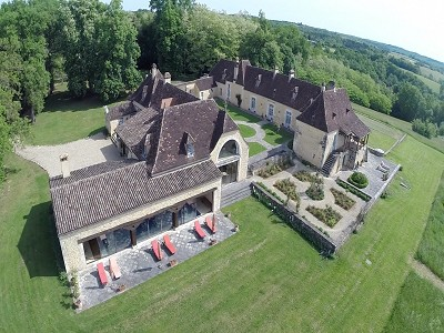 Beautiful renovated 10 bedroom Chartreuse in the Dordogne for Sale with 45 hectares