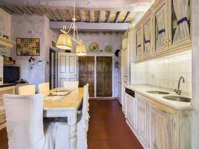 Image 20 | 7 bedroom farmhouse for sale with 2 hectares of land, Chianti, Florence, Tuscany 179293