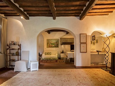 Image 25 | 7 bedroom farmhouse for sale with 2 hectares of land, Chianti, Florence, Tuscany 179293