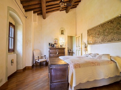 Image 4 | 7 bedroom farmhouse for sale with 2 hectares of land, Chianti, Florence, Tuscany 179293