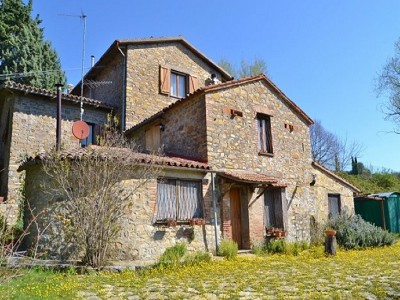 Image 2   4 bedroom farmhouse for sale, Parrano, Terni, Umbria 179552