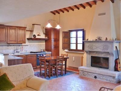 Image 11 | Farmhouse and gite complex in Montegabbione, Umbria for sale with land 179557