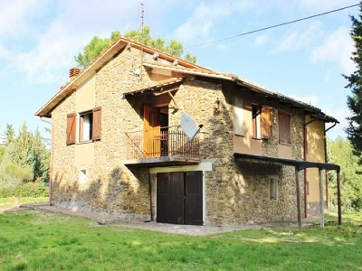 3 bedroom farmhouse for sale, Paciano, Perugia, Umbria