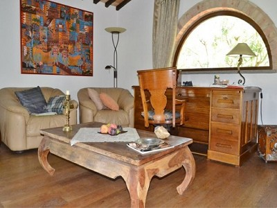 Image 12 | 2 bedroom farmhouse for sale with 1.6 hectares of land, Castiglione del Lago, Perugia, Umbria 179673