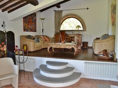 Image 13 | 2 bedroom farmhouse for sale with 1.6 hectares of land, Castiglione del Lago, Perugia, Umbria 179673
