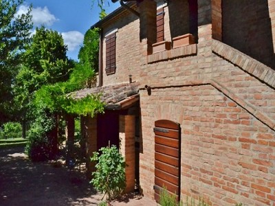 Image 4 | 2 bedroom farmhouse for sale with 1.6 hectares of land, Castiglione del Lago, Perugia, Umbria 179673