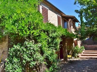 Image 5 | 2 bedroom farmhouse for sale with 1.6 hectares of land, Castiglione del Lago, Perugia, Umbria 179673