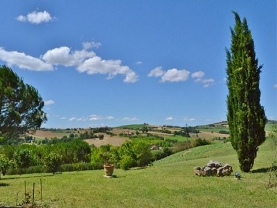 Image 9 | 2 bedroom farmhouse for sale with 1.6 hectares of land, Castiglione del Lago, Perugia, Umbria 179673
