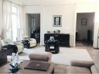 Image 2 | Spacious Apartment for sale in the 16th Arondissement Paris with 3 bedrooms. 179772