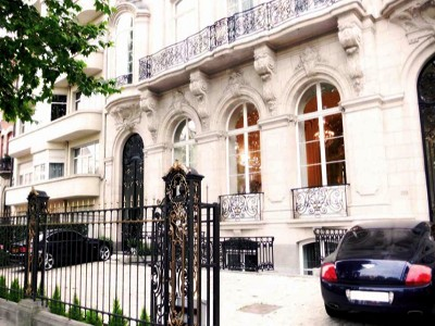 Sumptuous Townhouse for sale with 30 bedrooms in Brussels close to the European Parliament