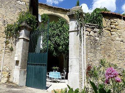 House france uzes 179830 prestige property group for Garage uzes gard