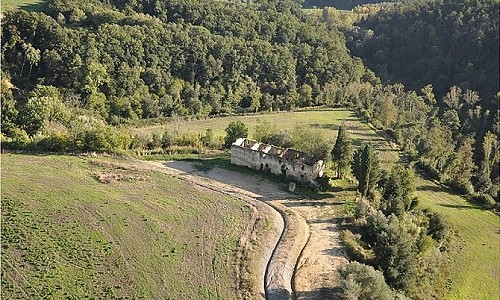 Image 3 | House for sale with 4.07 hectares of land, Castelfalfi, Florence, Chianti 180013