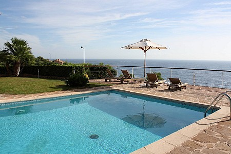 Image 3 | 4 bedroom villa for sale with 1,000m2 of land, Antheor, Var , French Riviera 180264