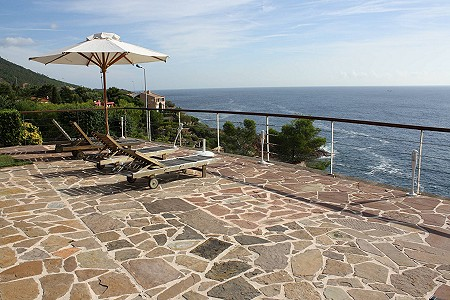 Image 5 | 4 bedroom villa for sale with 1,000m2 of land, Antheor, Var , French Riviera 180264