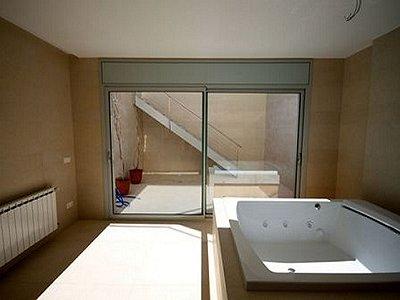 Image 16   4 bedroom villa for sale with 850m2 of land, Lloret de Mar, Girona Costa Brava, Catalonia 180309
