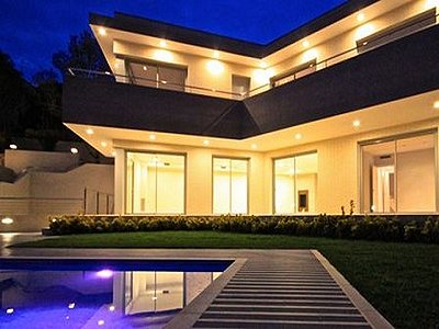 Image 3   4 bedroom villa for sale with 850m2 of land, Lloret de Mar, Girona Costa Brava, Catalonia 180309