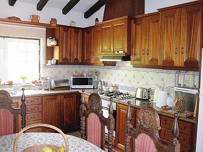 Image 20   4 bedroom villa for sale with 1,500m2 of land, Lourinha, Lisbon District, Costa de Prata Silver Coast 180562