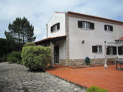 Image 3   4 bedroom villa for sale with 1,500m2 of land, Lourinha, Lisbon District, Costa de Prata Silver Coast 180562