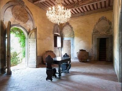 Image 1 | Award Winning Tuscan Vineyard and Wine Estate for sale  180731