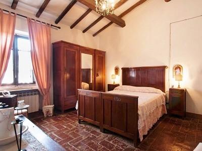 Image 12 | Award Winning Tuscan Vineyard and Wine Estate for sale  180731