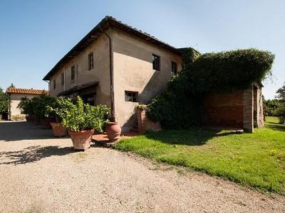 Image 3 | Award Winning Tuscan Vineyard and Wine Estate for sale  180731