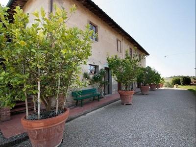 Image 5 | Award Winning Tuscan Vineyard and Wine Estate for sale  180731