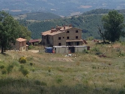Farmhouse complex in Allerona, Umbria for sale with 1050000m2 of land