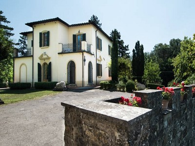 Image 5   Two villas in the countryside near Florence 180825