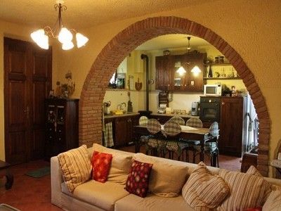 Image 4 | 8 bedroom farmhouse for sale with 2,000m2 of land, Panicale, Perugia, Umbria 180848