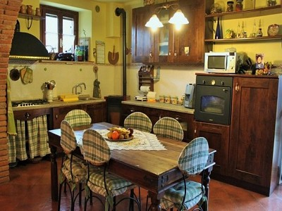 Image 5 | 8 bedroom farmhouse for sale with 2,000m2 of land, Panicale, Perugia, Umbria 180848