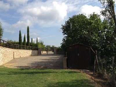 Image 4 | 2 bedroom house for sale with 2,000m2 of land, Piegaro, Perugia, Umbria 180864