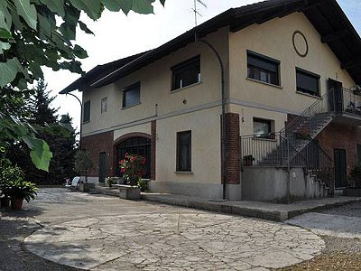 6 bedroom farmhouse for sale, Cassano Magnago, Varese, Lombardy