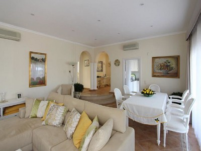 Image 6   3 bedroom villa for sale with 950m2 of land, Vale do Lobo, Central Algarve, Algarve Golden Triangle 181046