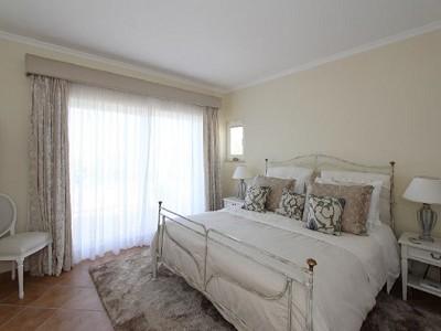 Image 7   3 bedroom villa for sale with 950m2 of land, Vale do Lobo, Central Algarve, Algarve Golden Triangle 181046