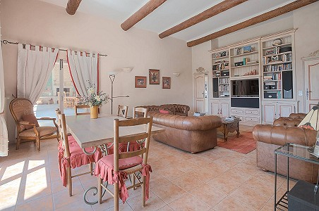 Image 12 | 12 bedroom farmhouse for sale with 31 hectares of land, Orgon, Bouches-du-Rhone , Luberon 181100