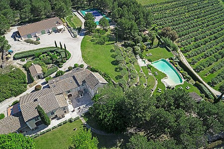 Image 18 | 12 bedroom farmhouse for sale with 310,000m2 of land, Orgon, Bouches-du-Rhone , Luberon 181100
