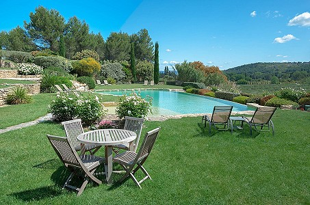Image 5 | 12 bedroom farmhouse for sale with 310,000m2 of land, Orgon, Bouches-du-Rhone , Luberon 181100