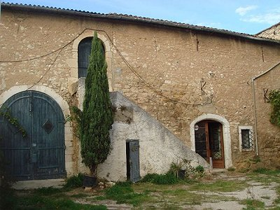 4 bedroom farmhouse for sale, La Fare les Oliviers, Bouches-du-Rhone, Provence French Riviera