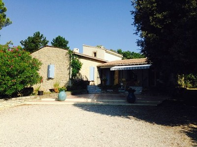 Image 9 | 3 bedroom villa for sale with 0.48 hectares of land, Lourmarin, Vaucluse , Provence 181532