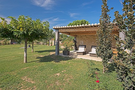 Image 3 | 6 bedroom farmhouse for sale with 8 hectares of land, Lourmarin, Vaucluse , Luberon 181606