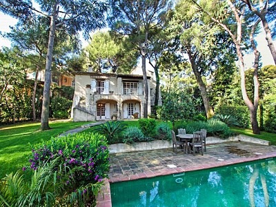 5 bedroom farmhouse for sale, Cap Ferrat, St Jean Cap Ferrat, Provence French Riviera
